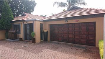 *Bentley Estate 6 - Te huur