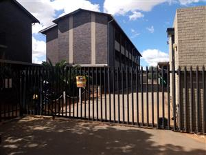 2 BEDROOMS FLAT FOR SALE WESTONARIA(CALTONVILLE) EXT 1 RAND WEST CITY R330 000.00 CALL QUINTON FOR MORE INFO @ 07203325749