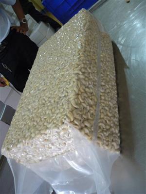 Super Quality Cashew Kernels WW240/ WW320/ FOR SALE (whatsApp # +255745590659)