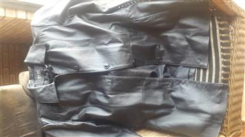"Ladies 'genuine "" leather jacket    black    seldom worn very good condition"