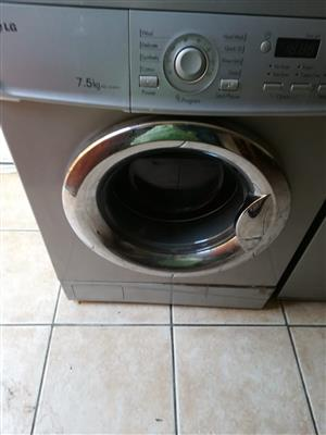 LG 7,5 front loader washing machine
