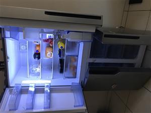 Hisense 4 door refrigerator