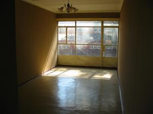Lovely 2 bedroom flat on 1st floor - CW6 Vanderbijlpark