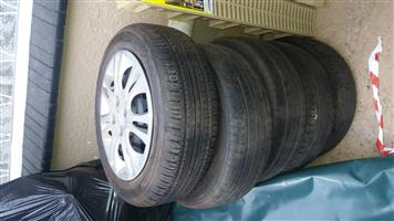 Hyundai i20 standard rims with tyres for sale