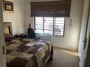 House share furnished female