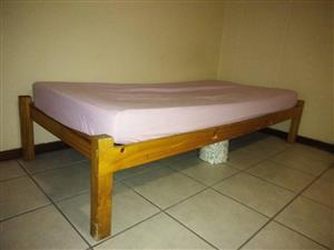 enkel bed met matras