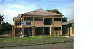 Hotel Lodge For Sale in Ladysmith