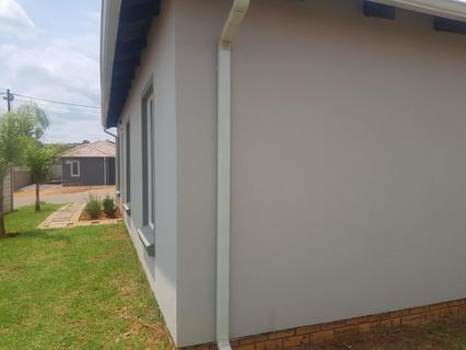 2 Bedroom House For Sale in Rayton, Rayton