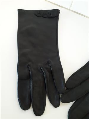 Genuine leather black gloves for sale