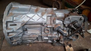 Vito 6 speed gearbox with propshaft