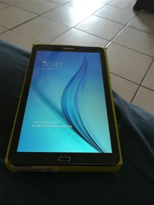 Samsung galaxy tablet with bag