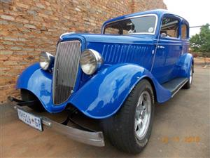 1933 Ford 2 door sedan
