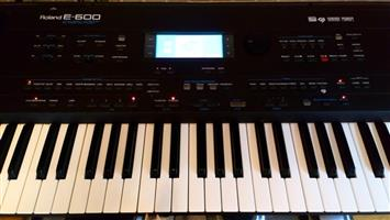 Roland E-600  Touch Screen Keyboard
