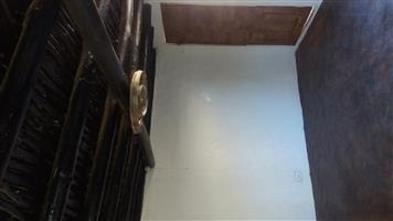 2 BR COTTAGE SPITSKOP (NEXT TO LHP) FOR RENT: R5000 PM