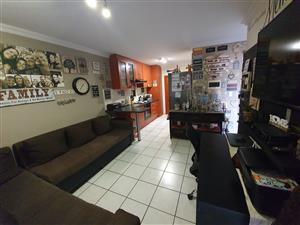 Two Bedroom Flat to rent in Daspoort