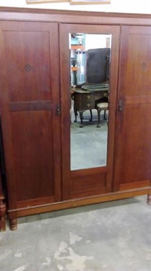 Vintage 2 door closet with mirror