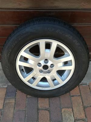 One 17 inch Freelander 2 Spare Mag with Tyre R2750