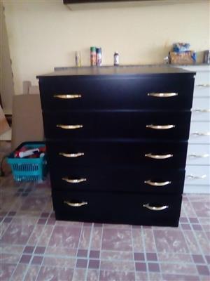 Black chest draws