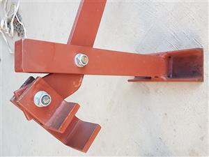 Heavy duty fencing standard puller