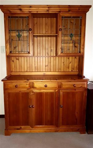 Oregon pine dresser