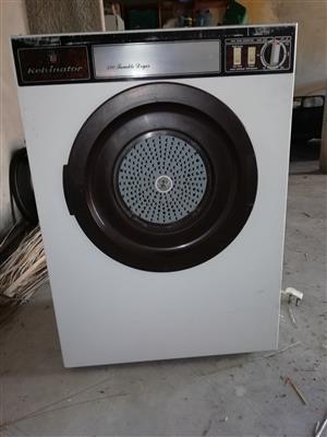 Kelvinator 320 tumbledryer