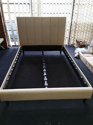 Cream/Beige Sleigh bed