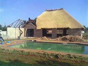 Thatching lapas Roof Repairs 0792120870 or 0614818313