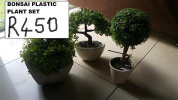 Plastic bonsai plant set
