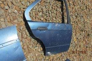 BMW E36 RIGHT REAR DOOR SHELL – USED