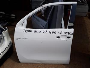 toyota hilux 2.8 GD6 left front door