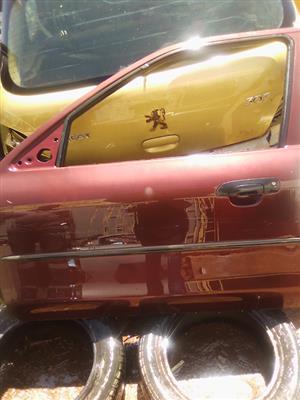 We Hve A Ford Mondeo Left Front Car Door For Sale