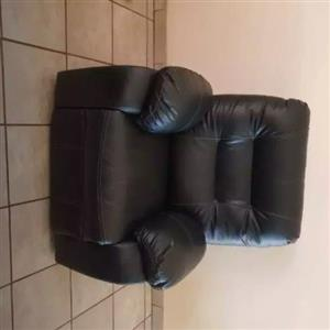 Leather recliner lounge suite