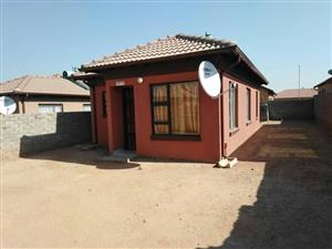 3500 pm 3 bedroom house for rent in soshanguve block vv