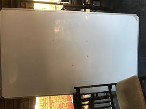 Parrot Magnetic Whiteboard 2mx1,2m