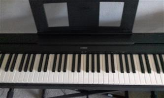Yamaha Electric Piano with foot pedal and stand included