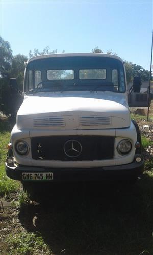 X2 Bullnose Mercedes trucks plus 6m wagon plus Code 10 Dyne 2006 model