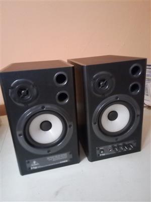 Behringer MS40 Studio Monitors