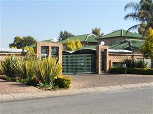 18 LOODRECHT - 2 BEDROOM TOWNHOUSE IN RIETFONTEIN (RAPID RENTALS)