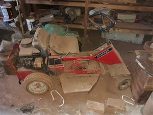Snapper Lawn mowers for sale 1x working condition and 1 for spares with extra