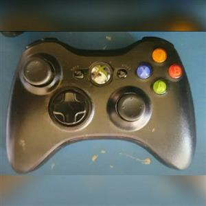 2 x Xbox 360 Remotes
