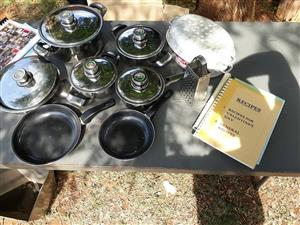 16 Piece cookware set for sale