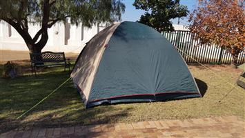 4 - 5 man/women Nylon Camp Master Family Tent