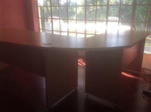 Melamine Curved Office Desk with support side desk