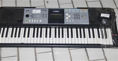 Yamaha keyboard with adaptor S037159A #Rosettenvillepawnshop