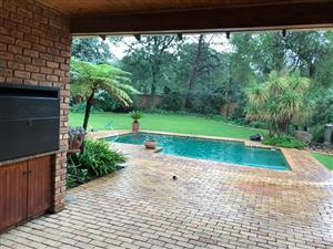 Large, secure & spacious home to rent in Sunward Park – R15'000pm.