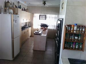 Rent freestanding house in Germiston