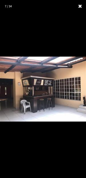 5 Beds for sale Midvaal