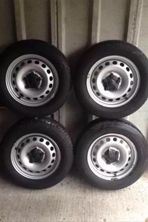 VW Caddy steel wheels  with center caps
