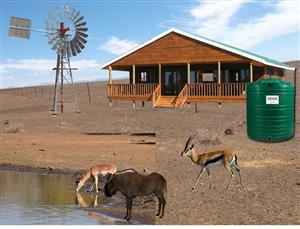 LIFESTYLE GAME FARM IN THE CERES KAROO R385 000