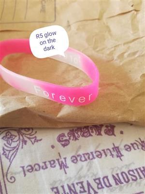 Pink forever plastic bracelet